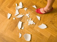 Womans-foot-stamping-plate-rage